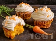 Мъфини / къпкейкове с моркови, канела и портокали корички и захарна глазура със сметана и ванилия